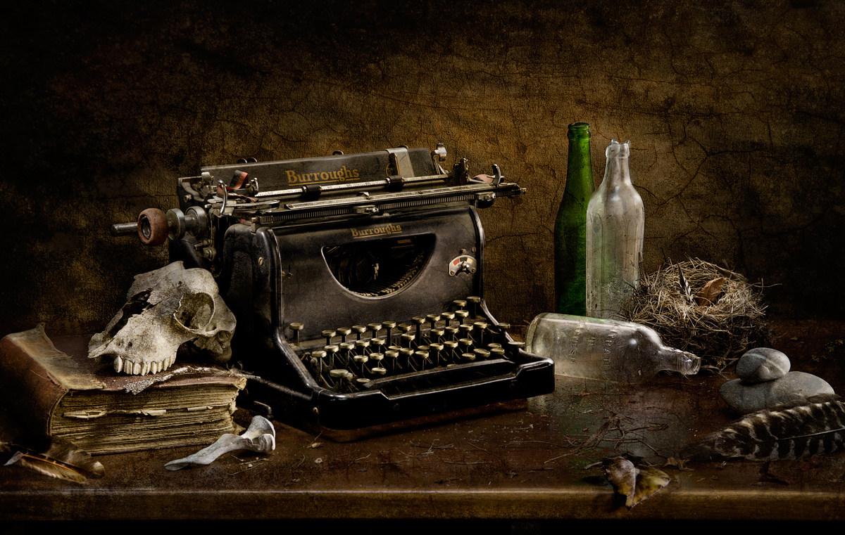 Private Essay Vintage Typewriter Wallpaper specializing